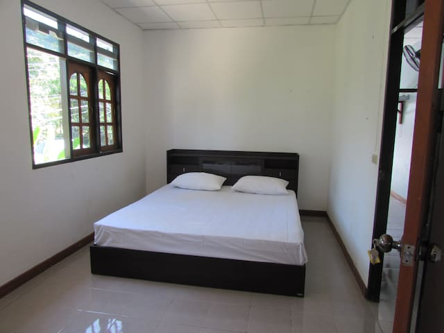 Chakra Double Room With Bathroom - TH - Apartemen
