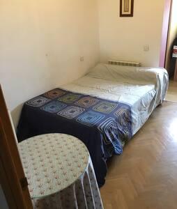 Se alquila habitación en Valdemoro - Valdemoro
