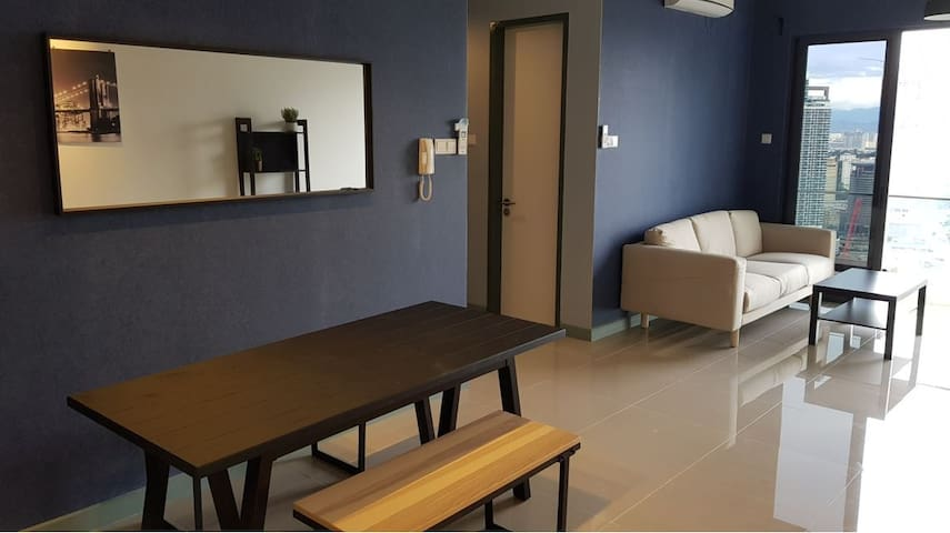 Stylish 3BR Direct KLCC/5m Mid Valley/Train Access
