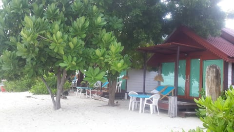 Beach Cottage @ Power Beach, Koh Lipe.
