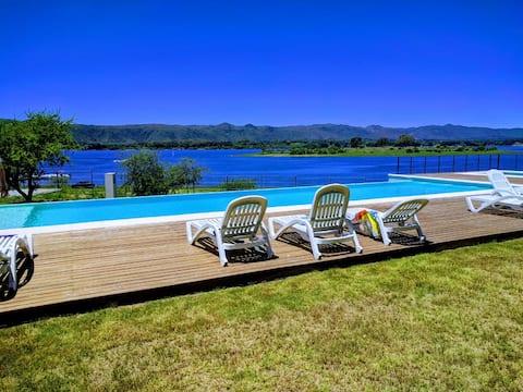 Apartment overlooking Lake Los Molinos