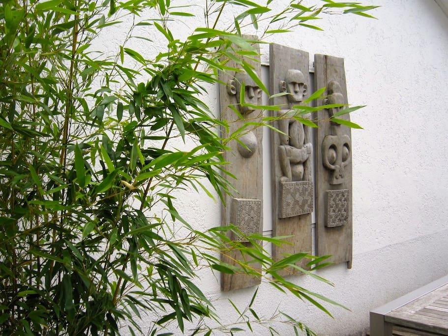 Balinese accentuated garden