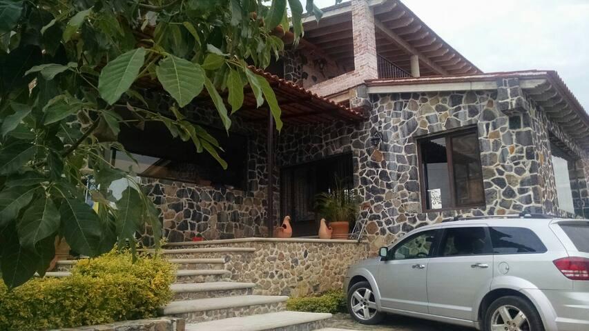 '' Casa de Piedra'' el Chichco Tepoztlán - Tepoztlán - Casa