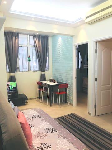 ⭐❤2BR BIG HOME-MAX 8GUESTS-MONG KOK MTR 旺角地鐵兩房一廳❤⭐