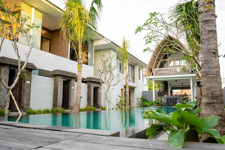 A peaceful 1 Mezzanine Room Near Seminyak