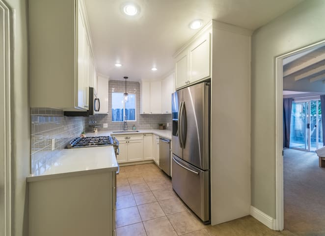 Beautiful completely renovated kitchen for your culinary creations.