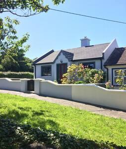 Cozy Goleen Cottage