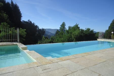 Country home with private pool. - Gromignana - Hus