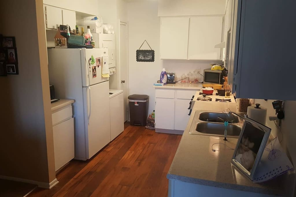 kitchen/washer&dryer space