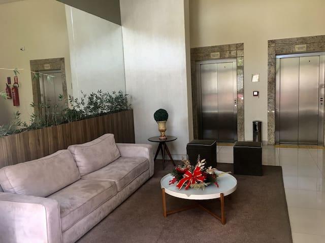 Apartamento confortável em bairro nobre próximo a Praia.