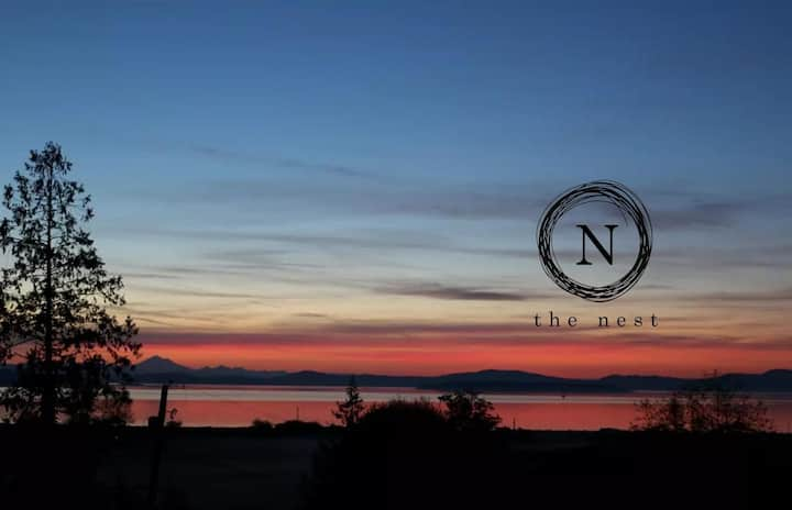 The Nest: studio with ocean views (BC guests only)
