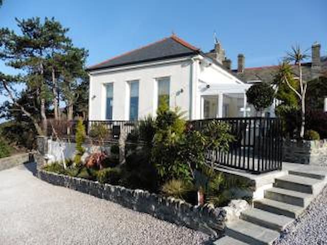 Barmouth house with amazing sea views pet welcome