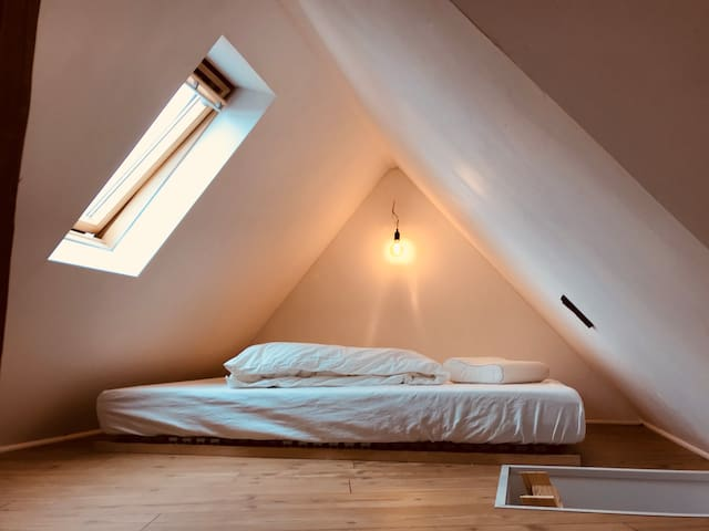 Mattress under charming 165cm roof near Prinzipalm