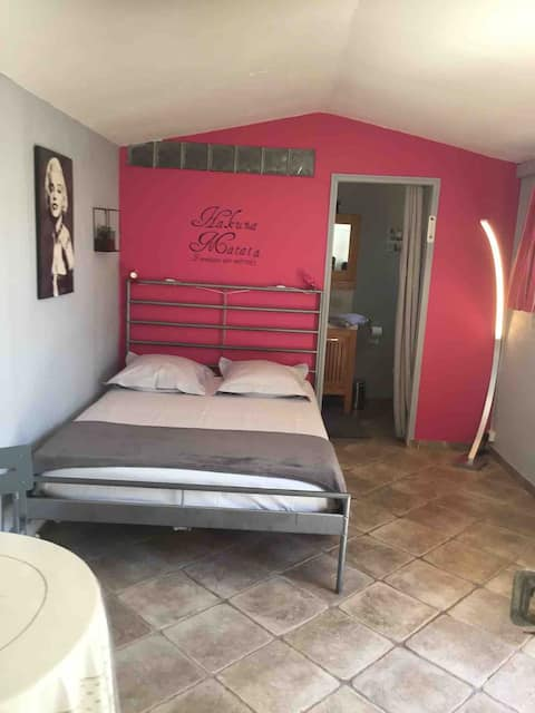 Belle chambre privée à Grimaud