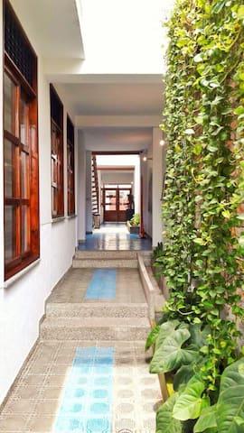 Hermoso Aparta estudio San Antonio - Cali - Apartment