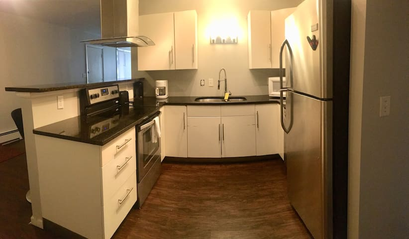 3 bedroom apartment close to IC/Downtown/Cornell!