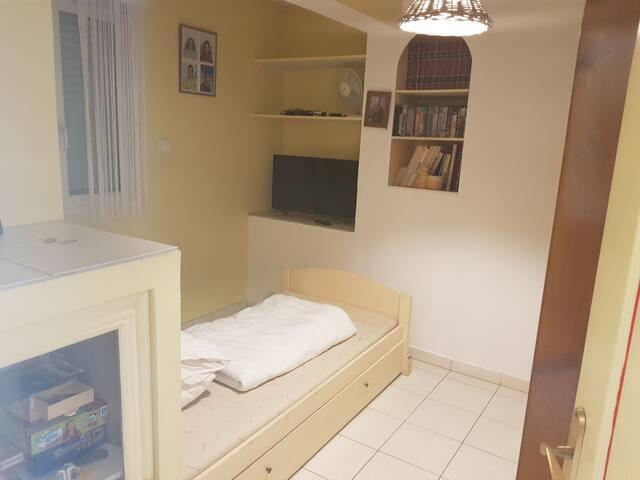 Chambre lit 90x190  Plus lit gigogne 90x190