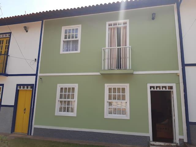 Confortável casa na CIDADE DA SERESTA.