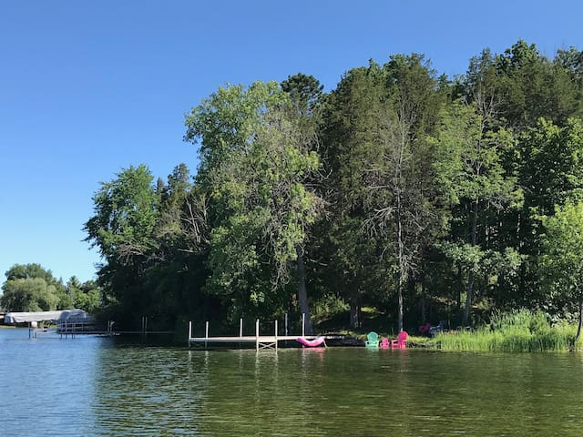 Luxury lake retreat short drive to DNC