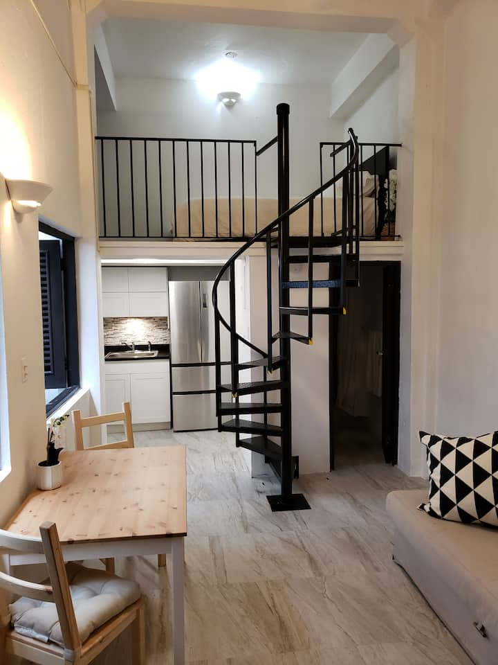 Beautiful new apartment in the heart of old town!
