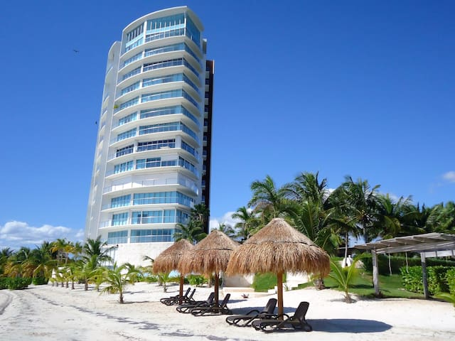 Ocean View Luxury Apartment in Cancun Hotel Zone