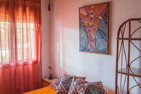 Room. Double bed for 1-2 persons - Xalet