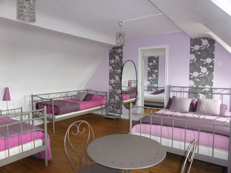 chambre lilas chambres d 39 h tes louer eslettes haute normandie france. Black Bedroom Furniture Sets. Home Design Ideas