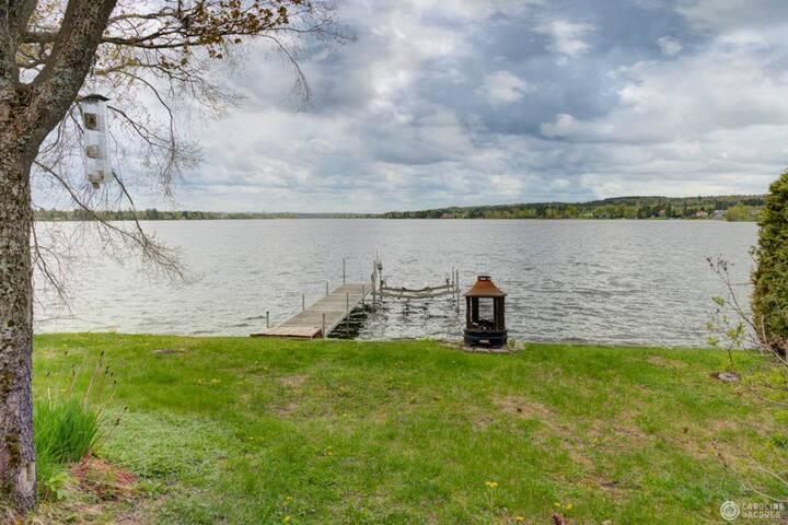 Chalet bord de l'eau - Lac Aylmer