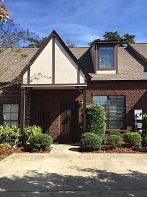 Lovely 4 Bed 3 Bath Town Home Houses For Rent In Birmingham Alabama United States
