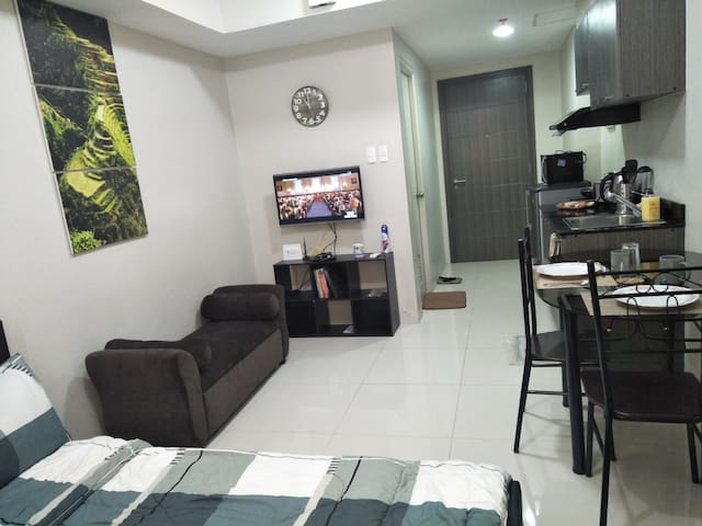 Vista Shaw Condo Unit. Fully-Furnished