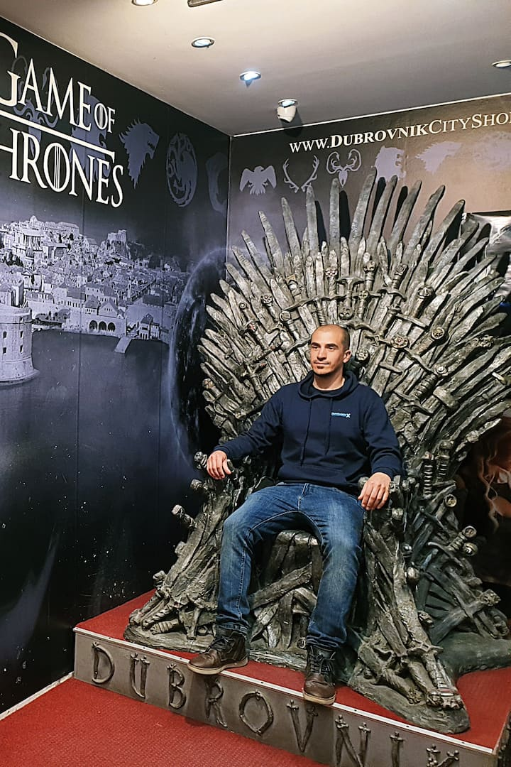 One foto on the Iron Throne