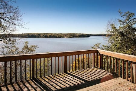 Lake Allegan Cottage & Private Cabin