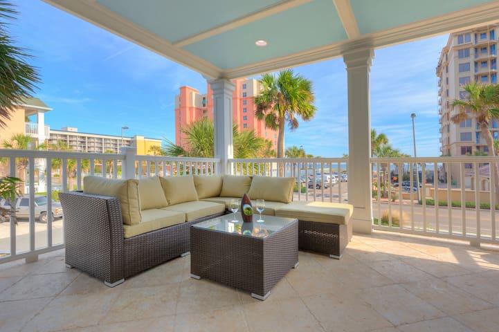 Unique beachfront house that sleeps 14 - Jacksonville Beach - House