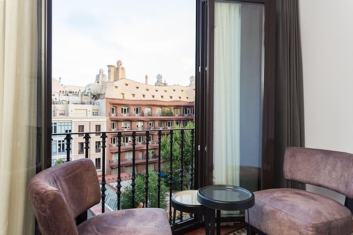 Superior Apartment with views to La Pedrera