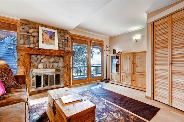 Cozy Condo 1 Block From Quit'N Time Ski Run - WS11