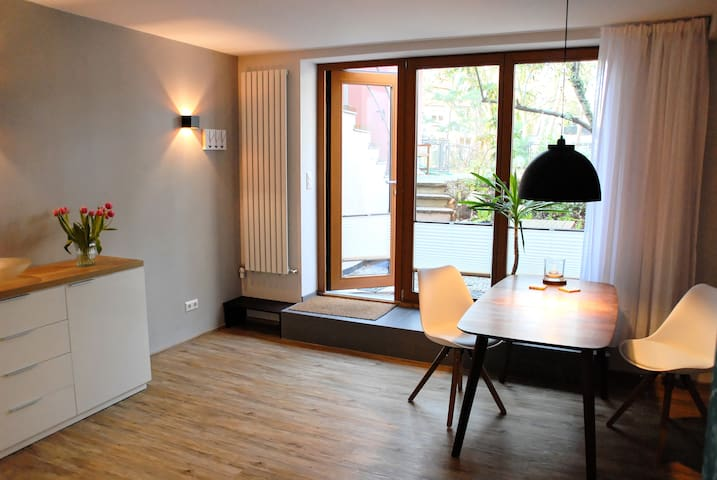 Modern, charming Studio with teracce - Mainz - Apartamento
