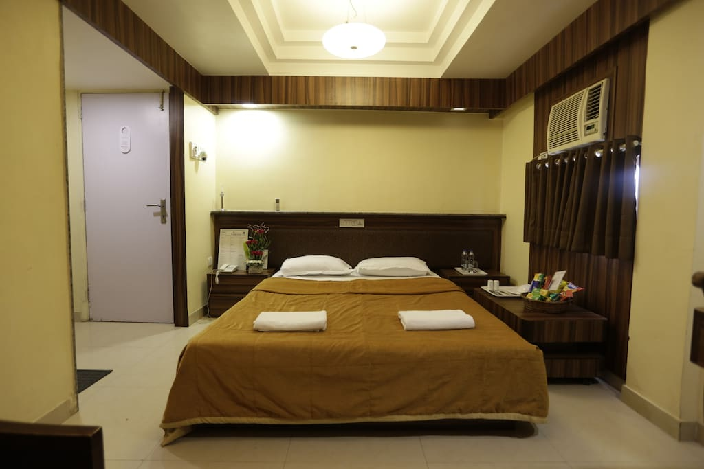 Executive room bed