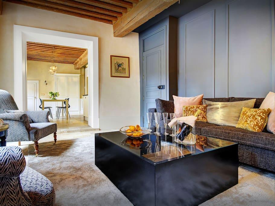 Les Tourterelles Annecy - calm, elegant lounge