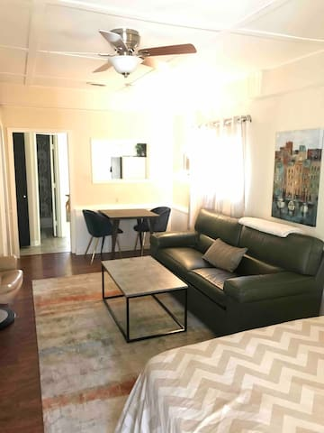 Cozy & Convenient Private Studio in Alexandria