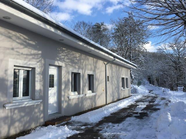 Gîte l'Annexe, appartement rénové et calme - Crotenay - Ház