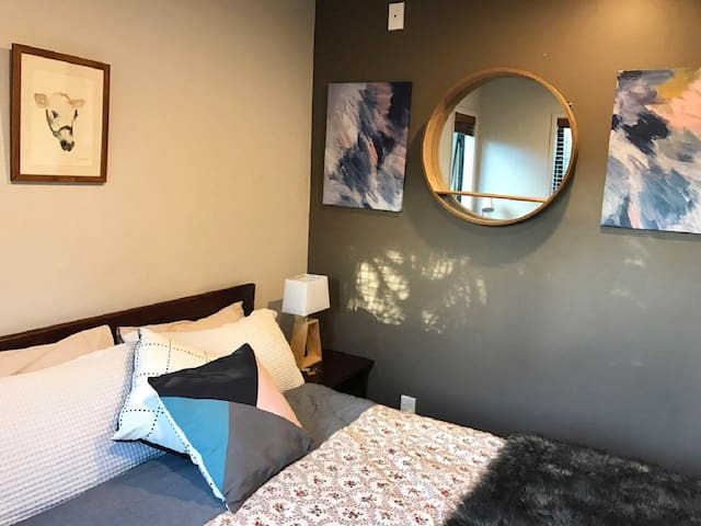 Quiet Clean Comfy Room in Central Auckland!