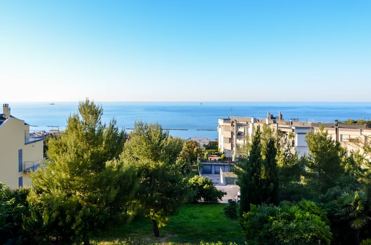 Sea view apartment private room - Falconara Marittima - Bed & Breakfast