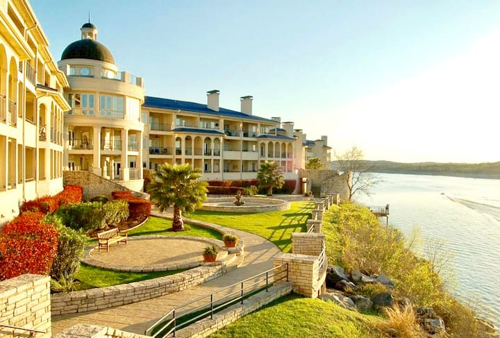 Relaxing Moments Getaway at Lake Travis Island TX