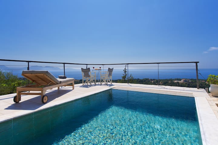 BlueHorizon Traditional private pool great view