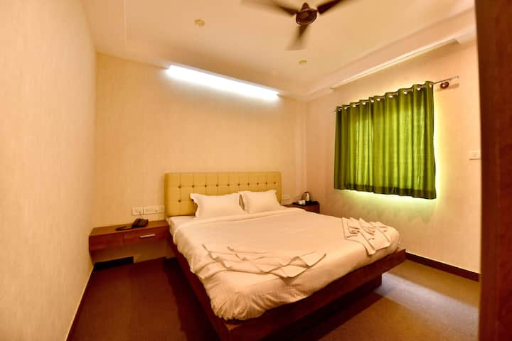 Comfortable Stay for 2 in Brookfield, B'lore