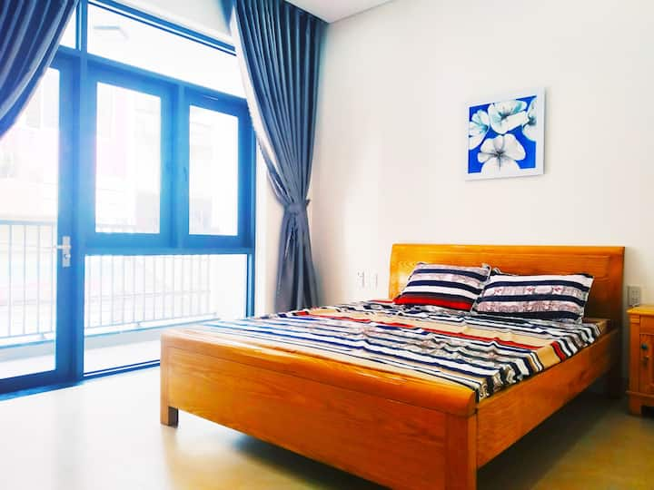 very CHEAP private ROOM with BIG BALCONY in DANANG