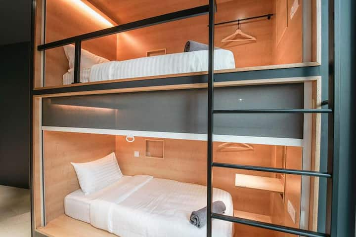 Twin Pod Suite Bed