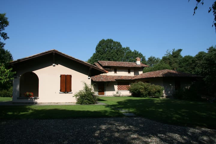 Stunning Villa with pool and views of the Alps - Lurate Caccivio - Vila