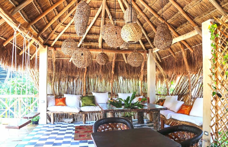 Casa Xelva, Luxury House 6 min from Beach.