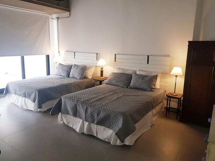 Warm studio apartament in Flores neighbourhood,
